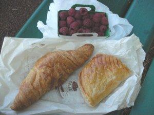 Croissant & Raspberries