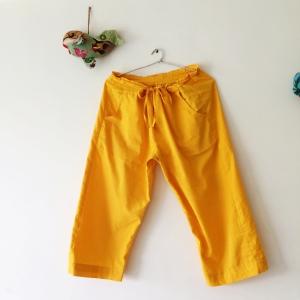 黄色のクロップドパンツ 〜ヒーリングリーディング なりこれふあ